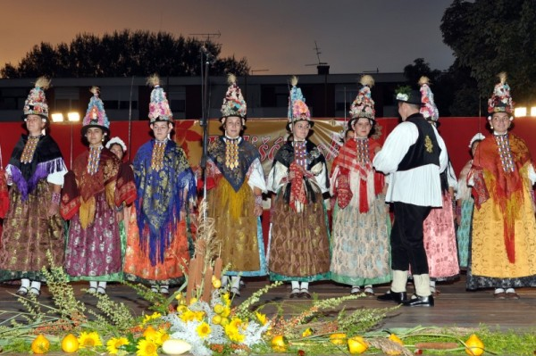 6-smotra-folklora-Belisce